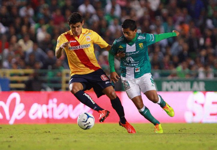 Monarcas Morelia (i) y el León (d), que se acaban de ver las caras en la liguilla del Futbol Mexicano, son dos de los clubes mexicanos clasificados a la Copa Libertadores junto con Santos. (jammedia.com)