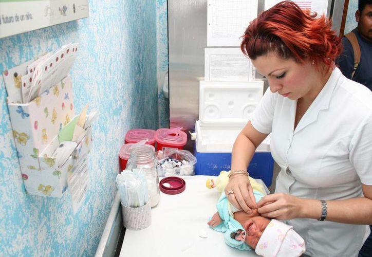 La atención de nacimientos prematuros en el estado rebasa la capacidad de las unidades de Salud disponibles. (Harold Alcocer/SIPSE)