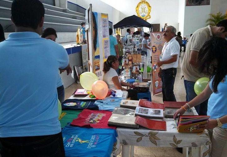 En la Expo Católica se instalaron varios stands. (Milenio Novedades)
