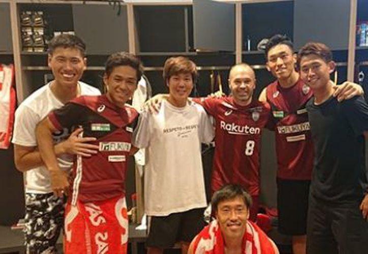 Iniesta manifestó sus deseos de vestir la playera de su nuevo club en un partido oficial. (Instagram)