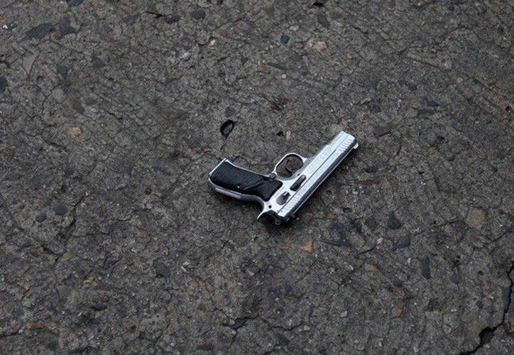 Un adulto mayor se quitó la vida con un arma mientras estaba en una oficia de Seguridad Social de Argentina. (Contexto/RT)