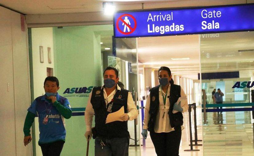 En abril pasado la llegada de pasajeros solo reportó 15 mil 781 personas. (Archivo/SIPSE)