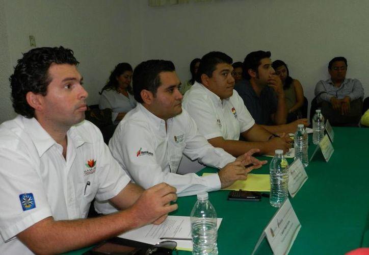El secretario de Desarrollo Urbano y Vivienda, Mauricio Rodríguez Marrufo, al encabezó la sesión. (Redacción/SIPSE)