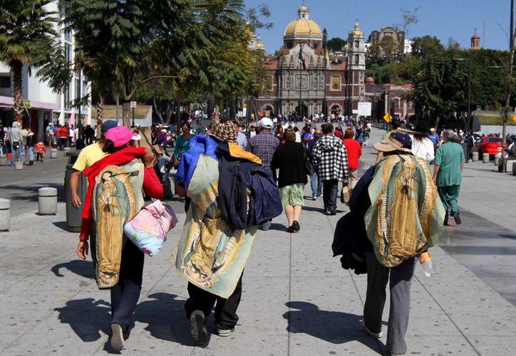 Las calles aledañas al templo mariano han sido bloqueadas para agilizar el tránsito de los peregrinos. (Archivo/Notimex)