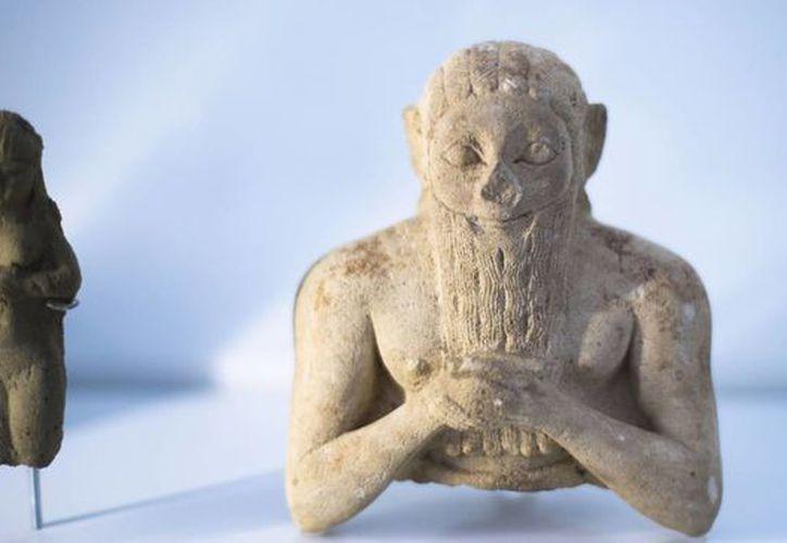 """Figura que data entre el 3000 y el 2400 aC en la exhibición """"Uruk- 5,000 años de la megaciudad"""". (Agencias)"""