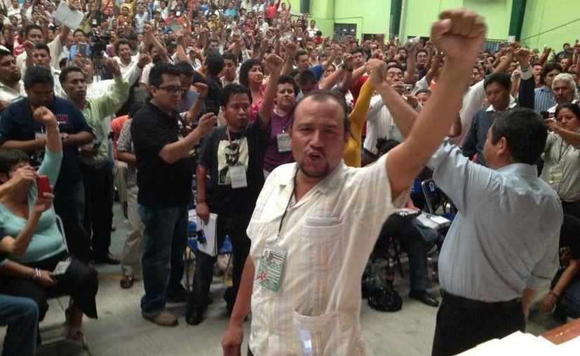 El secretario de la CNTE, Francisco Villalobos Ricárdez, niega la suspensión de clases por movilizaciones. (Twitter.com/@hpyodo)