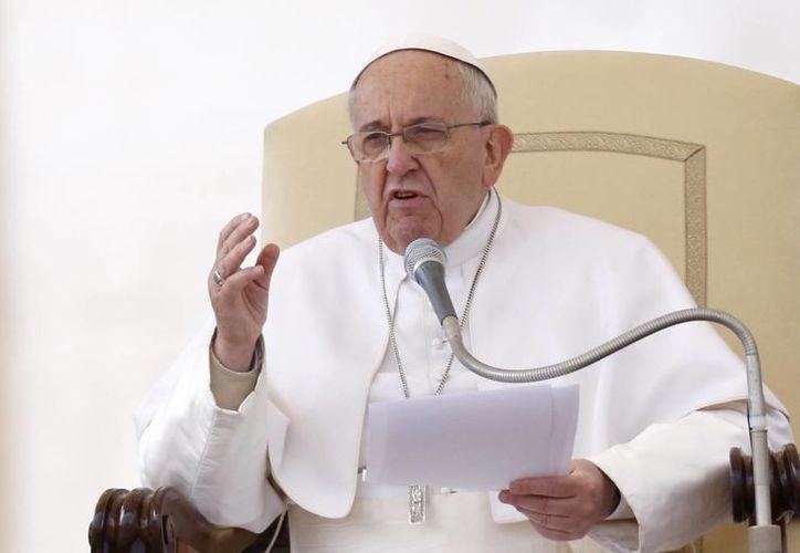 Francisco aseguró que respecto a la ancianidad, los niños tienen más conciencia que la gente adulta. (AP)