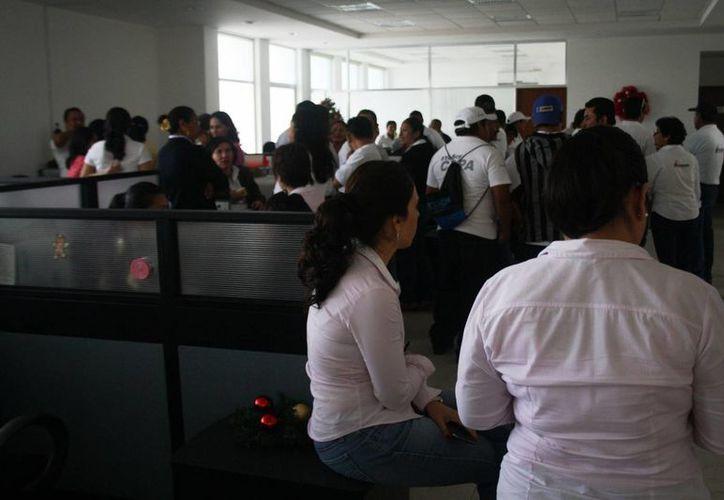 Los trabajadores de la CAPA siguen a la espera de información precisa respecto a  su situación laboral. (Octavio Martínez/SIPSE)