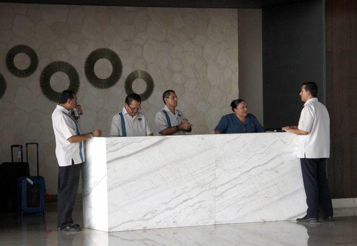 Capacitarán a los trabajadores para que escalen puestos y tengan mejores sueldos. (Victoria González/SIPSE)