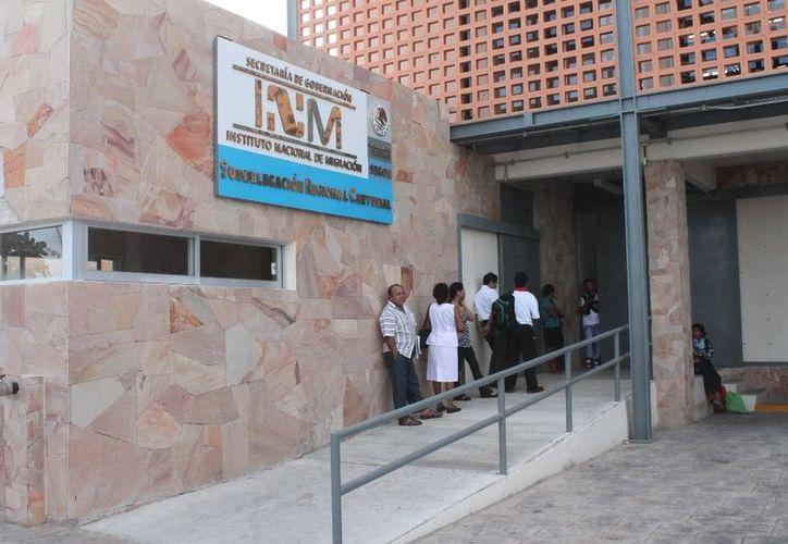 Los ilegales antillanos fueron reinstalados en la estación migratoria. (Ernesto Neveu/SIPSE)