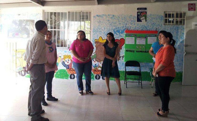 El recorrido por las instalaciones del DIF Municipal de Mérida. (Cortesía)
