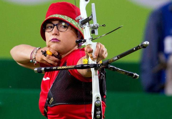 Gabriela Bayardo quedó cerca de vencer a la alemana, pero falló en el último set y terminó siendo eliminada. (Foto tomada de Conade)