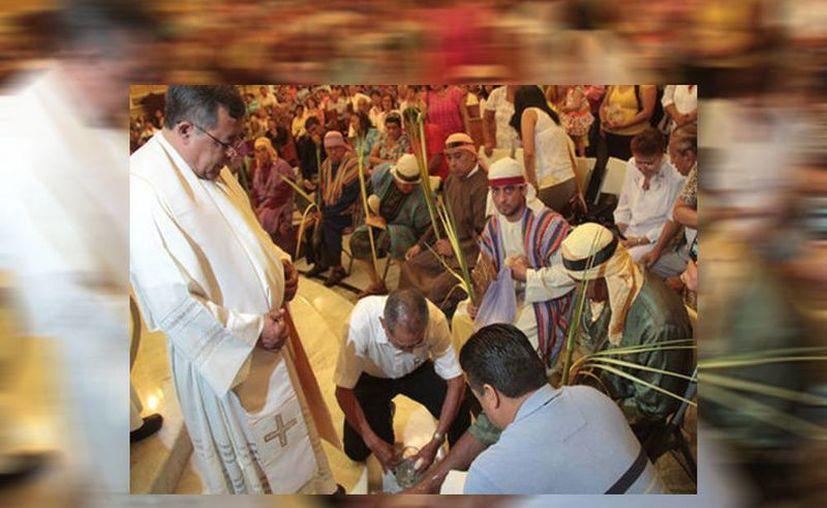Ante la ola de delincuencia los sacerdotes prefieren viajar con vestimenta para que los identifiquen como sacerdotes y así evitar riesgos. (José Luis Tapia/Milenio)