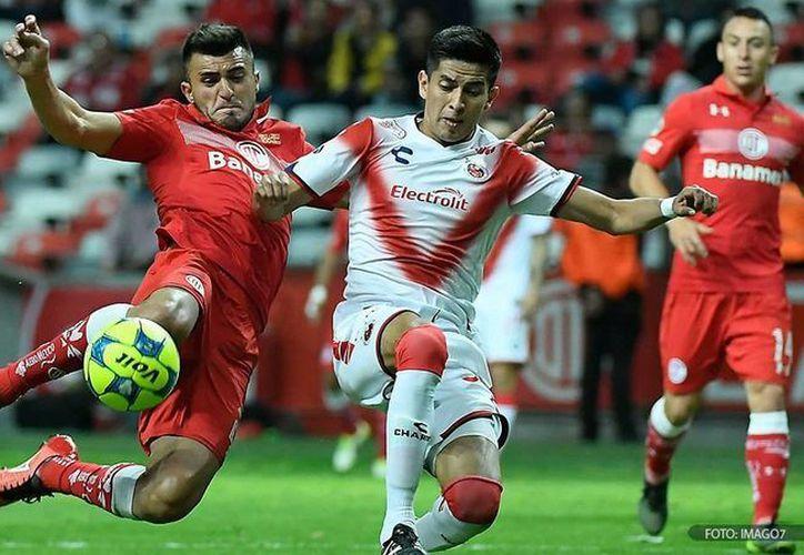 Toluca, que en el año de su Centenario lleva un buen paso tanto en la Liga MX como en Copa MX, empató de último minuto esta noche ante Tiburones Rojos en la competencia copera. (futboltotal.com.mx)