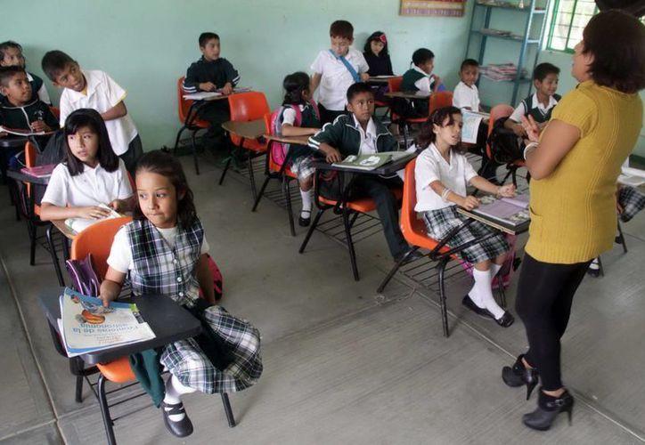 La nueva evaluación de la SEP también aplicará para la población escolar indígena y migrante. (Notimex/Foto de contexto)