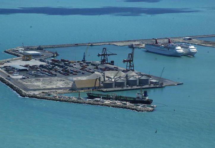 La ubicación de Yucatán, un punto favorable para la exportación. Imagen del Puerto de Altura de Progreso, (Milenio Novedades)
