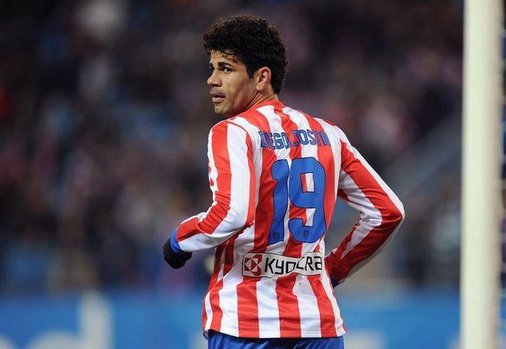 Diego Costa es de los futbolistas más queridos en Madrid y busca ser la sorpresa mañana. En la imagen el romperredes con su ya característico número 19. (Facebook)