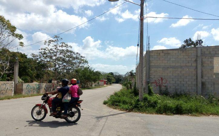 Para los habitantes es preocupante la falta de energía eléctrica en las comunidades, pues los vándalos se aprovechan de ello.