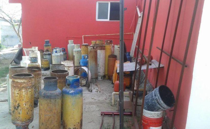 Los tanques que son decomisados por fugas son entregados a las respectivas empresas gaseras de la ciudad. (Licety Díaz/SIPSE)