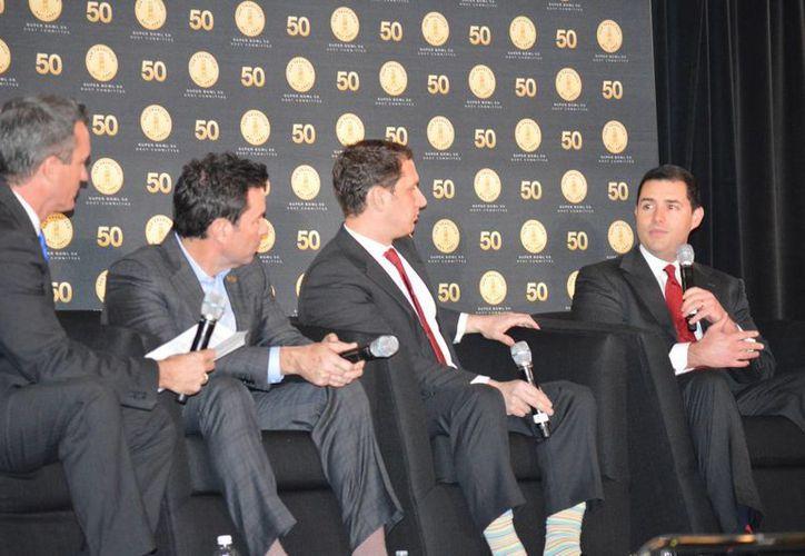 Conferencia de organizadores del Super Bowl 50. (Sixto López Casa Madrid/SIPSE)