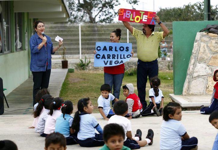 """La biblioteca del kínder """"Carlos Carrillo Vega"""" cuenta con 300 libros. (Christian Ayala/SIPSE)"""