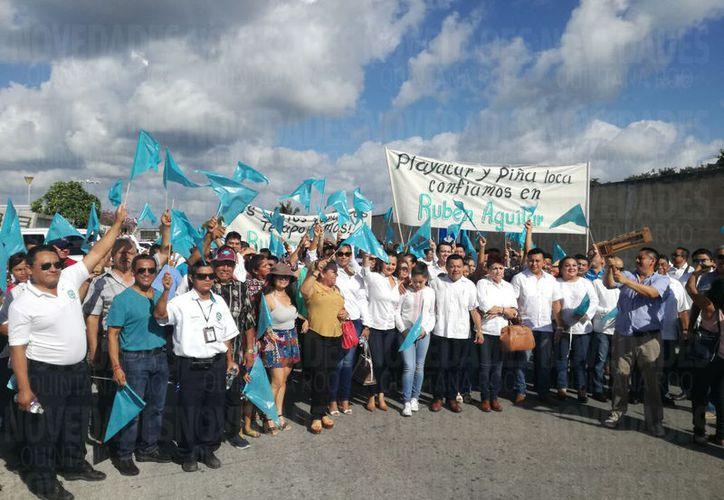Rubén Aguilar realizó un recorrido previo a su inscripción en el Sindicato de Taxistas. (Foto: Israel Leal)