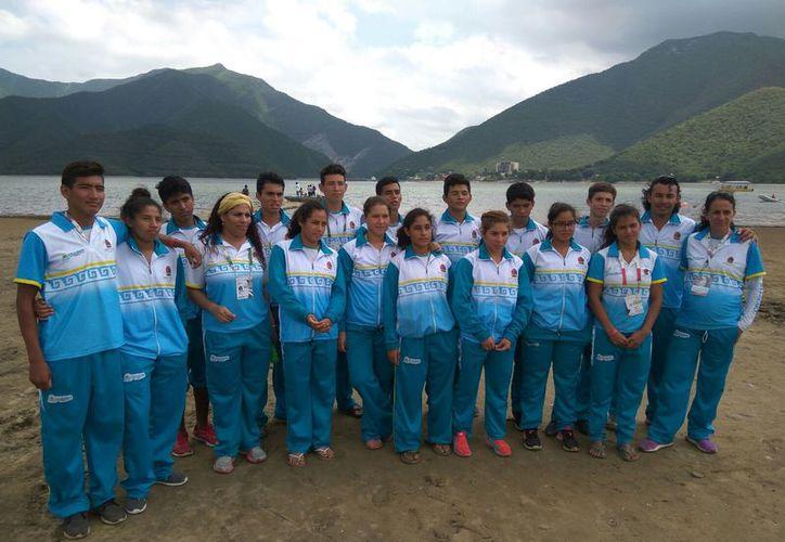 Los jóvenes que representaron a Quintana Roo en la Olimpiada Nacional. (Raúl Caballero/SIPSE)