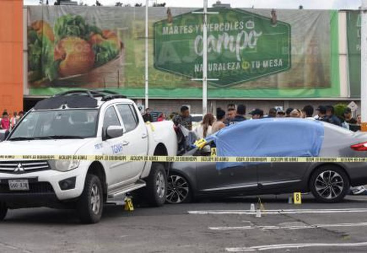 Hernández Gómez recibió varios disparos cuando ingresó en su automóvil al estacionamiento de la Comercial Mexicana ubicada entre Insurgentes y Ticomán. (Cuartoscuro)