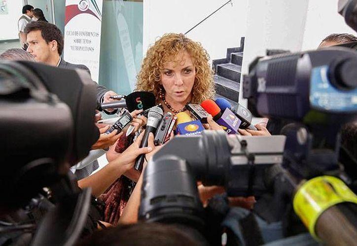 La senadora durante una entrevista con medios de comunicación. (Redacción/SIPSE)