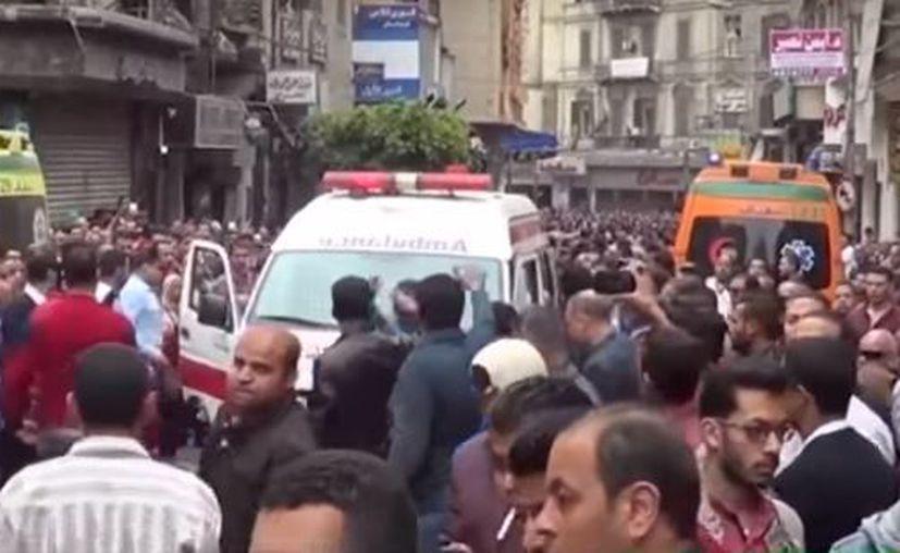 Varias personas presentan heridas graves como consecuencia de los disparos. (RT)