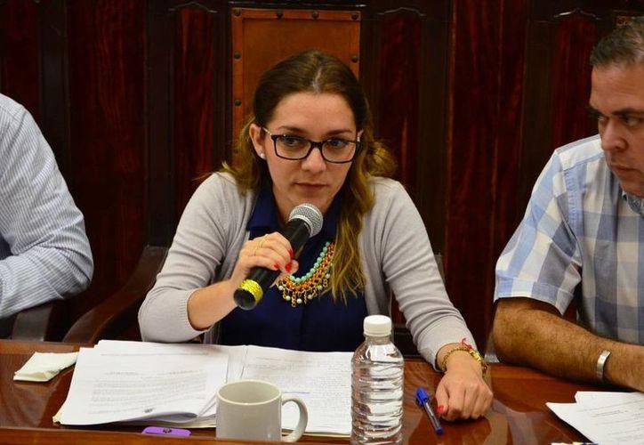 Ana Medina señala que como regidora suplente realizó un trabajo responsable al frente de las tres comisiones asignadas durante casi tres meses de su encargo. (Cortesía)