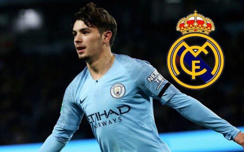 El Manchester City prepara 55 M€ para reforzar su lateral zurdo