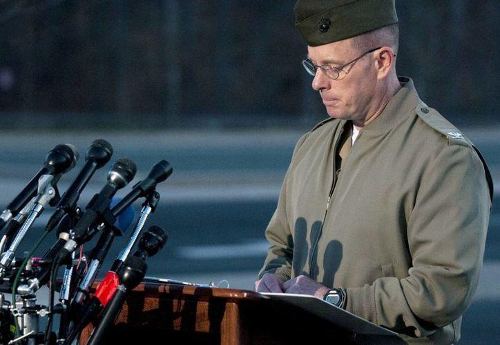 El coronel David W. Maxwell informó en la base de la infantería de Marina de Quantico, Virginia, acerca de las muertes. (Agencias)