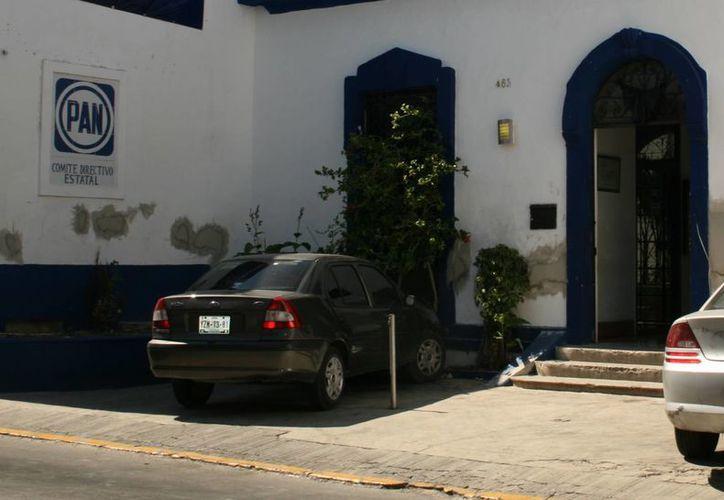 La próxima semana arrancará la contienda interna en el PAN por los espacios disponibles en los diferentes distritos. Imagen de las oficinas estatales del PAN en Mérida. (Milenio Novedades)