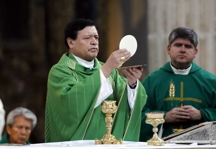 Rivera Carrera pide a los mexicanos, además de ayudar, orar por los afectados por los ciclones Manuel e Ingrid. (Notimex)