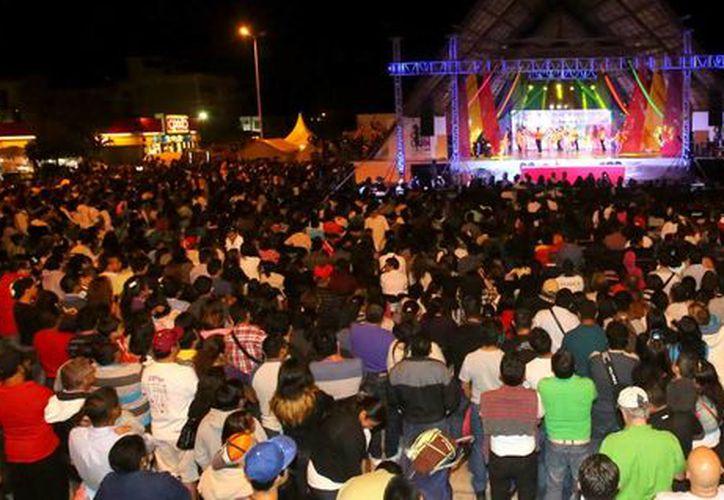Los representantes del Carnaval Cancún 2016 se elegirán el sábado en el parque de Las Palapas. (Redacción/SIPSE)