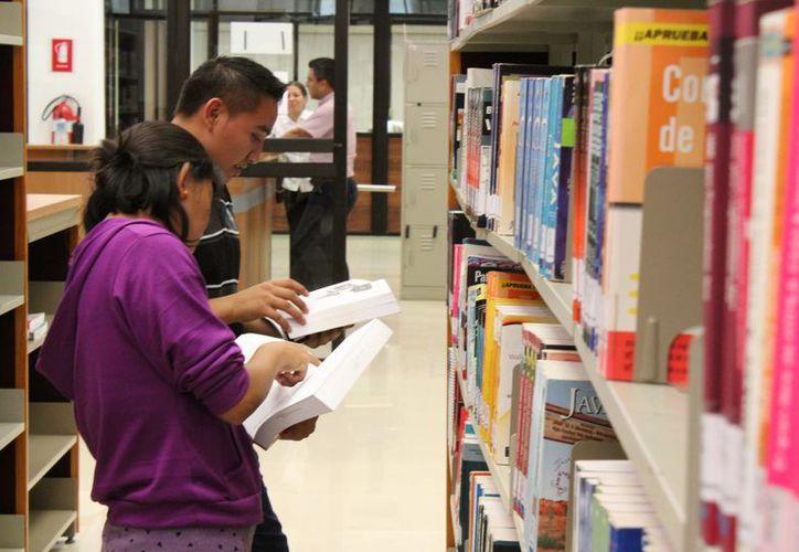 En la geografía municipal existen tres bibliotecas. (Octavio Martínez/SIPSE)