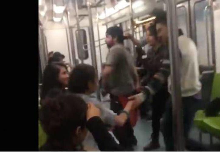 El 'fiestón' duró por lo menos tres estaciones en donde los que no bailaron, sí aplaudieron y pasaron un buen rato. (Foto: SDPnoticias)
