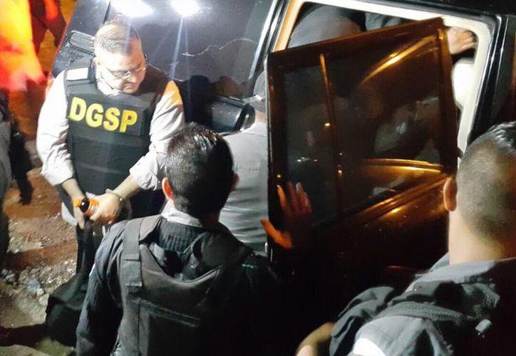 Hace dos semanas, Duarte aceptó ser extraditado a México por los delitos de delincuencia organizada y lavado de dinero, que le imputa la PGR. (Fuerza Aérea de Guatemala)