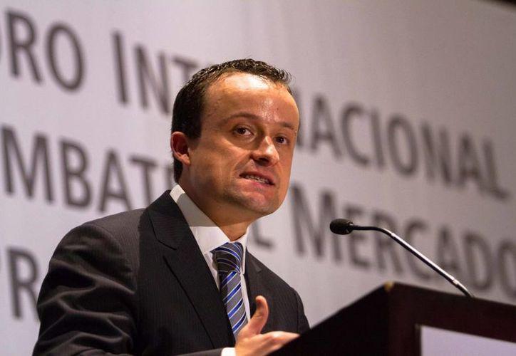 El titular de la Cofepris, Mikel Arriola, dijo que el proceso de intercambio es el primero de su tipo en Latinoamérica. (Notimex)