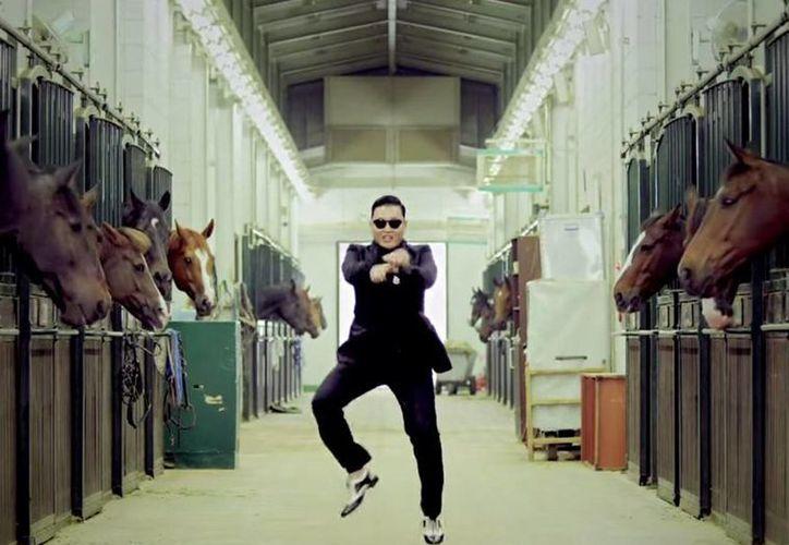 El último disco de Psy salió a la venta en 2010, después se volvió un artista mundial con el sencillo Gangnam Style y ahora está por sacar un nuevo álbum este mismo año. (independent.co.uk)