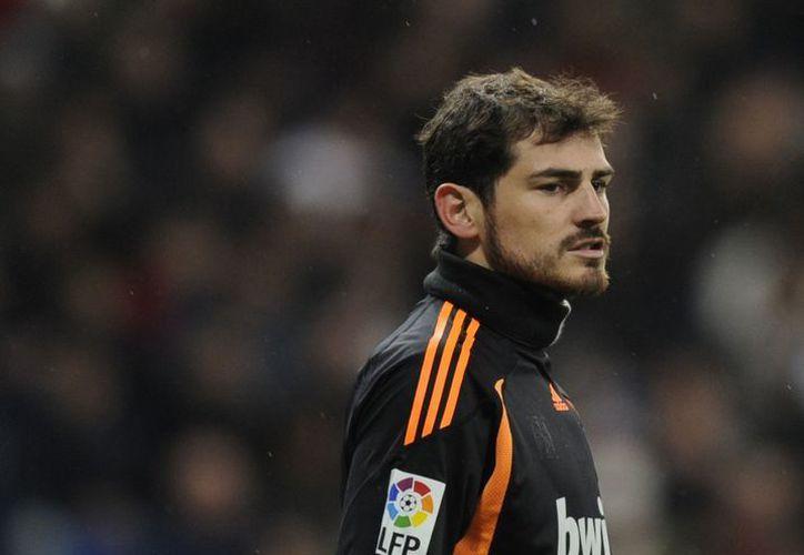 Casillas asegura que no ha platicado con Mourinho sobre el asunto de la banca. (Foto: Internet)