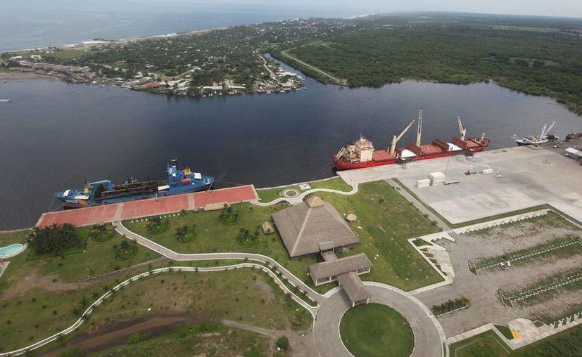 El plan binacional México-Guatemala a favor de la frontera común propone impulsar el funcionamiento de Puerto Chiapas. (todochiapas.mx)