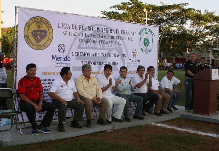 La inauguración oficial de la temporada 2015-2016 de la Primera Fuerza A fue en el campo 'Iches Burgos' de Chuburná. (Milenio Novedades)