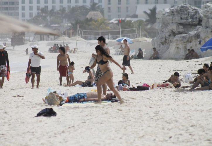 Al mes llegan un promedio 400 a 450 mil turistas. (Israel Leal/SIPSE)
