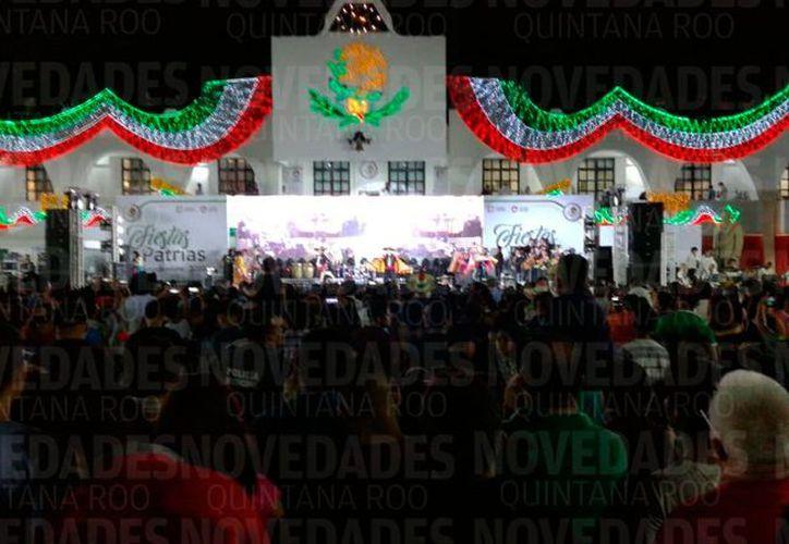 Así lució la Ciudad de Cancún en los festejos del 15 de septiembre. (Claudia Olavarria/SIPSE)
