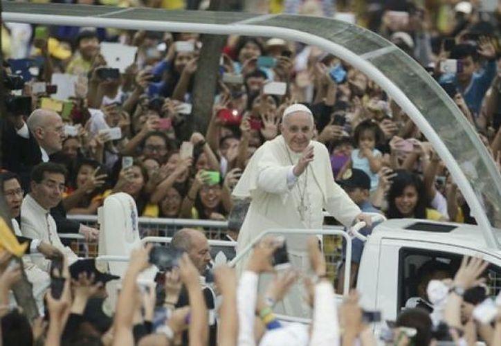 Miles de chilenos esperan impacientes el 15 de enero próximo, fecha en que el Papa Francisco los visitará. (SIPSE)