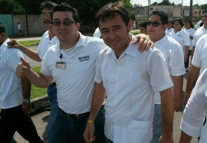 La desaparición de Carlos Arturo Piña Alberto (centro) se reportó el 9 de octubre en la tarde, y apareció en la madrugada siguiente. (Foto de Facebook)