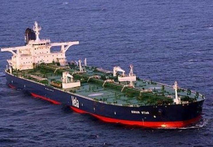 Pemex Refinación detalló que sus dos nuevos buques miden 183 metros de largo y 32 metros de ancho, y tienen capacidad de 50 mil toneladas métricas. Serán tripulados por 26 trabajadores. (Foto tomada de Milenio)