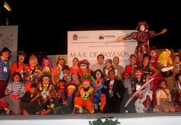 """Más de 80 comediantes participaron en un """"Mar de Payasos 2013."""" (Redacción/SIPSE)"""